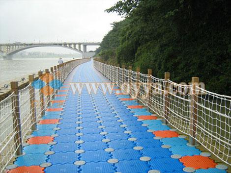 组合式水上浮桥