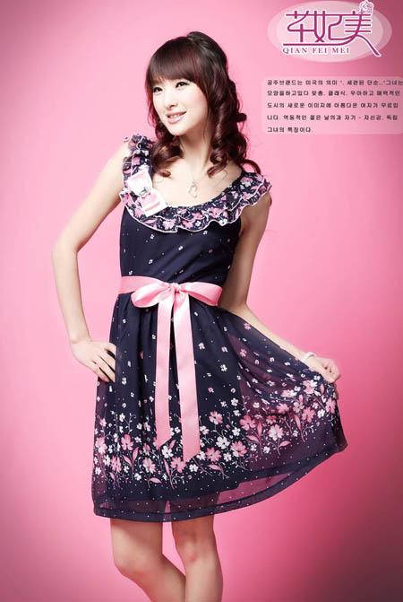 20918美丽荷叶领印花洋装