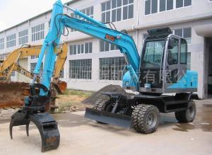 双驱动轮式挖掘机