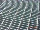 热浸镀锌钢格板、不锈钢格板、铝合金格栅板等金属制品