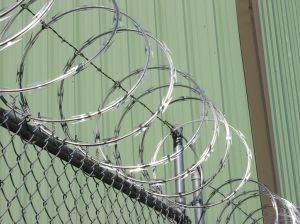 刀片刺丝|刀片刺网|蛇腹网|监狱网|监狱防护网|刮刀型刺丝-钻石