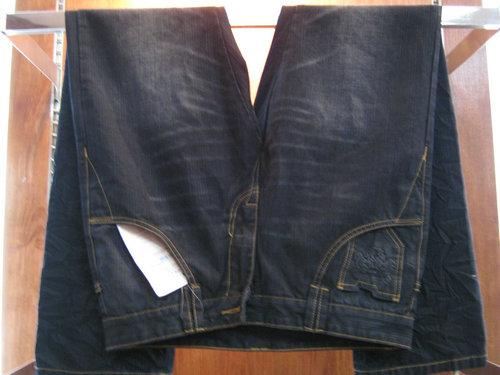 品牌男装牛仔裤