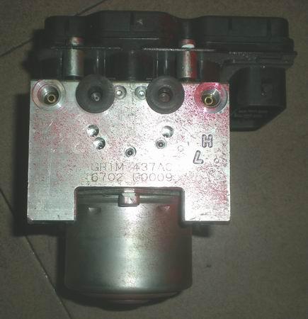 马自达M6 2.3ABS泵,冷气泵,三元催化,前大灯等汽车配件