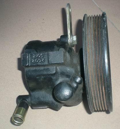 道奇君王3.3助力泵,方向机,电脑板,喷油嘴等汽车配件,拆车件