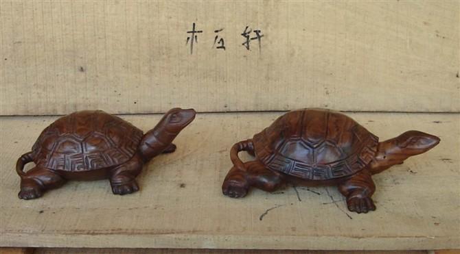 红木雕乌龟