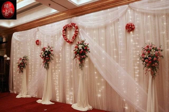 缘圆婚庆公司成立于2000年,是经陕西省工商局批准注册的专业婚礼庆典机构.是一家具有现代色彩的专业婚礼策划和独特的经营理念,用心的服务,用新的设计,完美演绎人生中重要的时刻!拥有个性化的时尚婚礼,更是缘圆的追求.让每对新人的梦想在缘圆成真,让瞬间的记忆成为永恒的灿烂 婚庆公司 婚庆 婚庆礼仪服务 婚礼策划 婚礼典礼 婚礼策划公司 结婚庆典 婚庆现场布置 特色婚礼 婚庆服务 教堂婚礼策划 西式婚礼策划公司 婚庆花车 婚庆典礼策划 中式婚礼策划公司 陕西婚庆公司 花车 婚礼布置 婚礼布置公司 婚礼礼仪策划 特