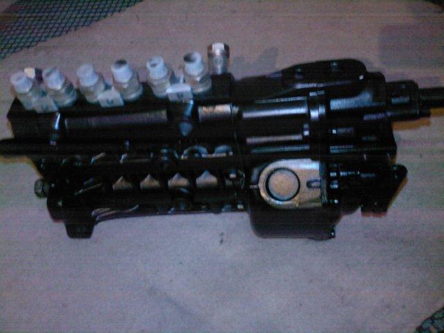 奔驰卡车高压油泵图片