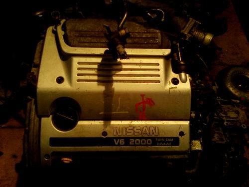 日产尼桑V32发动机、电脑板、缸盖等配件,拆车件