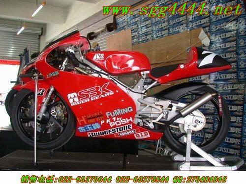 低价出售全新进口本田 RS125R摩托车