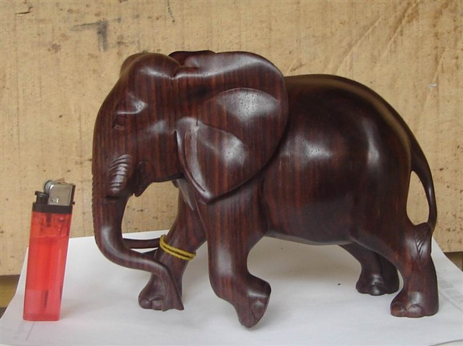 红木雕大象工艺品