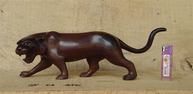 红木雕老虎工艺品