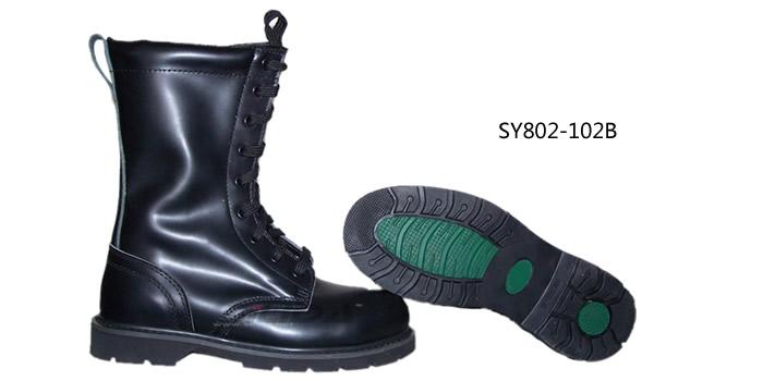 高帮牛皮防砸耐酸碱安全靴