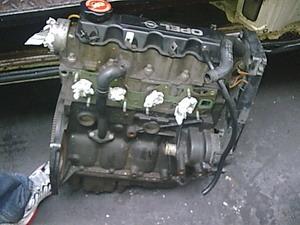 供应欧宝威达汽车配件,油底壳,水箱,冷凝器,发动机等汽车配件,拆车件