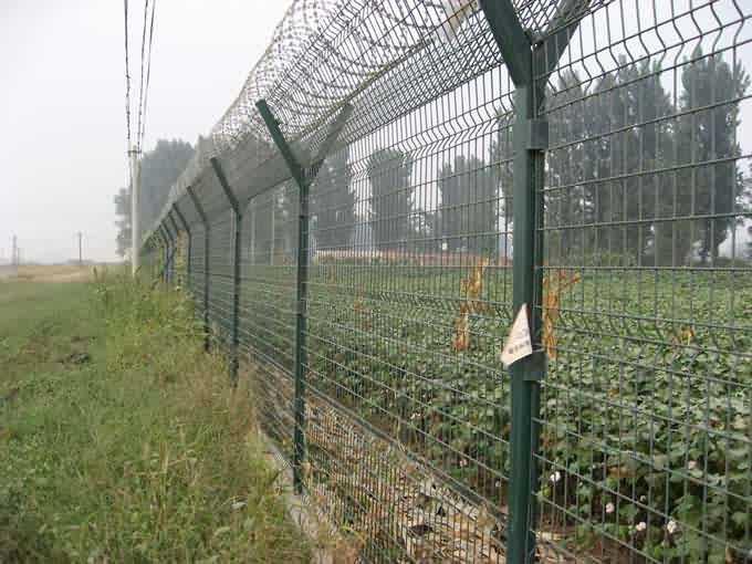 安平勾花护栏网,编织网隔离栅,菱形防护网