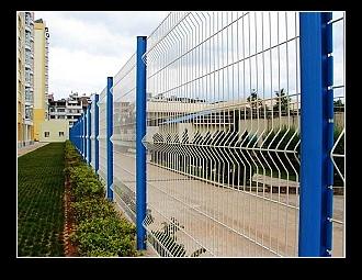 超低价现货供应钢丝网围墙,小区围栏网,隔离栅