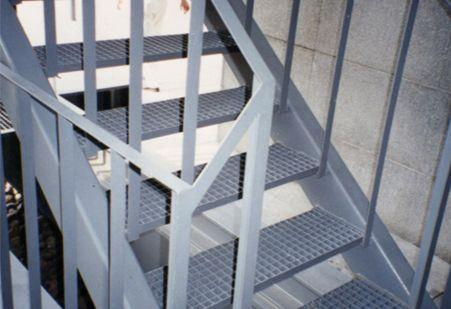 太原钢格板网山西太原冀发楼梯踏步板 格栅 金属丝网