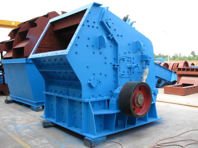 供应贵州反击式破碎机新型重锤碎石机价格