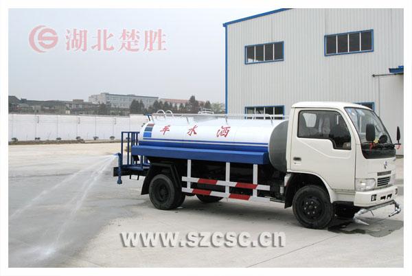 东风小型洒水车图片,3-5吨洒水车价格,小霸王洒水车