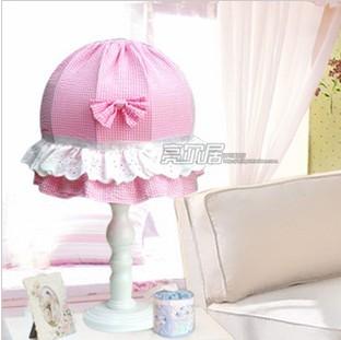 蕾丝台灯/可爱儿童房粉红格子卧室台灯