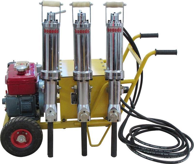 博奥达柴油型一机三枪液压劈裂机