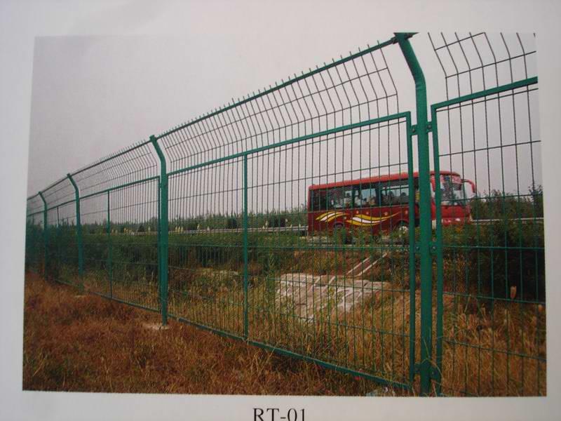 .供应护栏网,场区围栏网,公路护栏网,铁路护拦网,机场护栏网