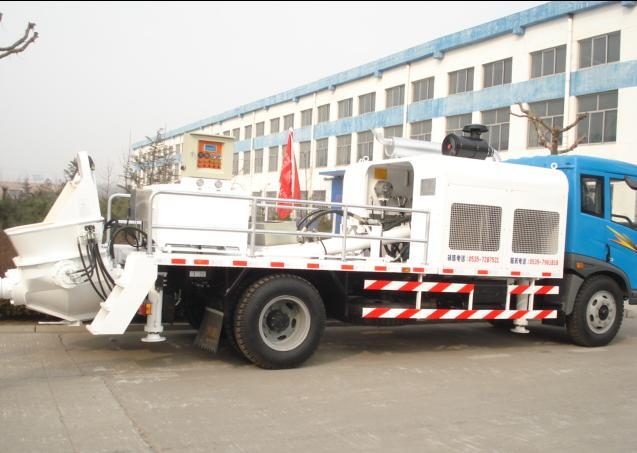 山东鸿达车载式混凝土输送泵