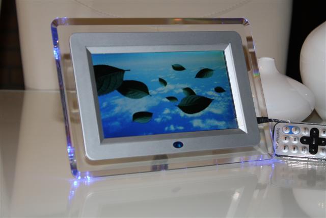 供应7寸多功能数码数码相框,广告礼品,电子相册