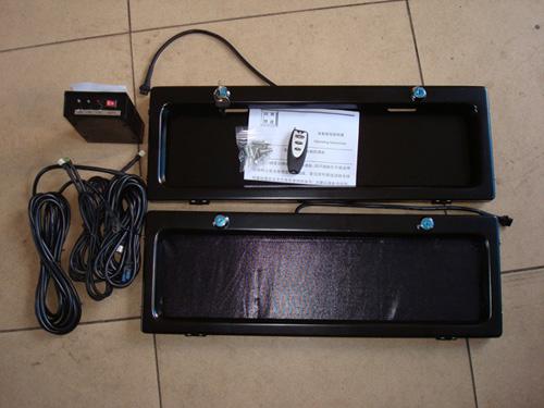 供应遥控翻牌器 自动卷帘车牌架 智能汽车车牌架