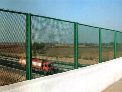 安平盛阳金属丝网制品有限公司供应钢板网护栏、防眩网