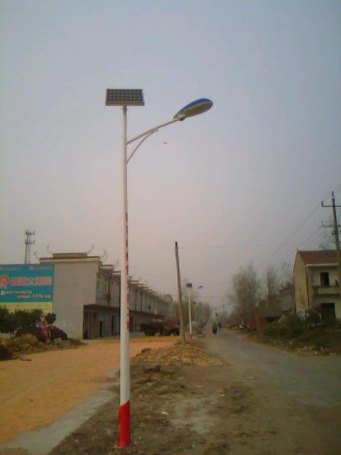 36盏太阳能路灯走进蚌埠固镇新农村