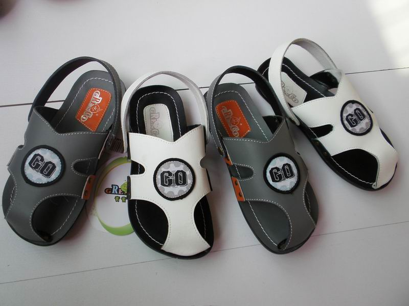 供应库存品牌男女童鞋,公主鞋,清货价10元