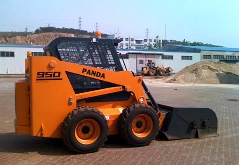 滑移装载机、挖掘装载机以及附具