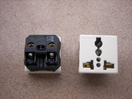 稳不落万用插座接线锁线式r4t