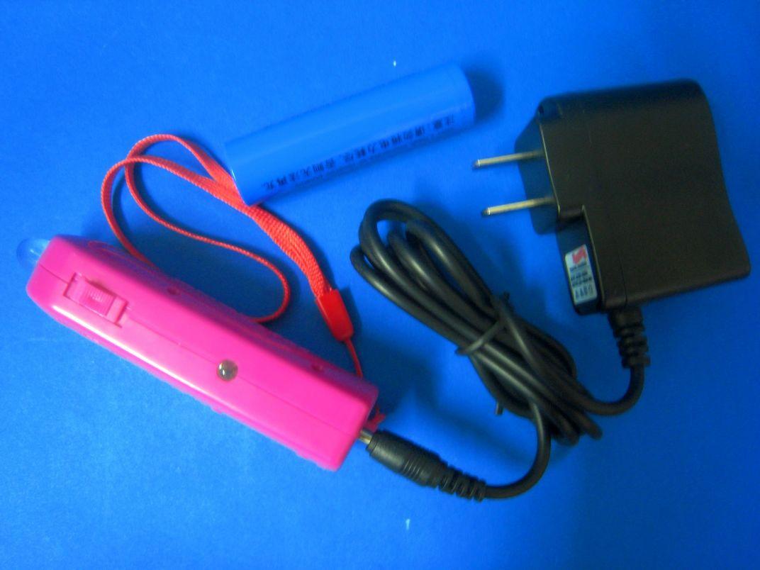 LED充电手电筒(A-1型)