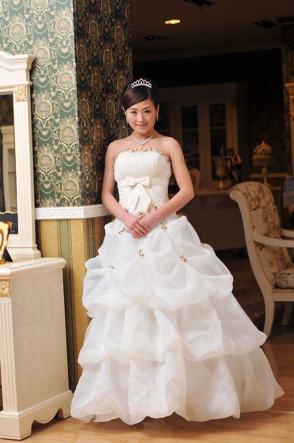 新款预售 超漂亮人气新娘婚纱礼服 实物婚纱