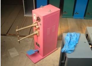 空调罩点焊机