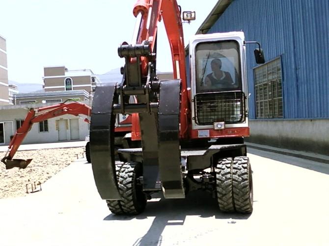 轮式360度挖掘机