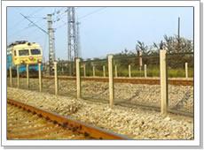 供应冠成铁路护栏网,坚固耐用