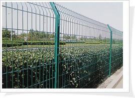 河北丰瑞五金丝网厂专业生产加工定做护栏网