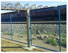 兰京护栏网厂供应铁路护栏网 飞机厂护栏网