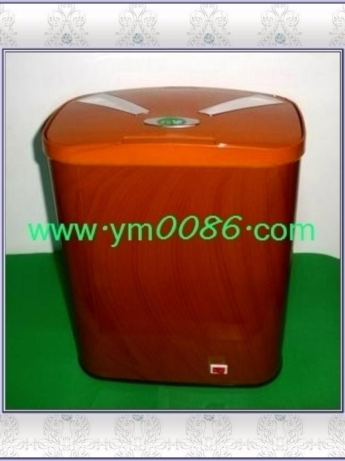 2011最新CE 论证自动感应垃圾桶8L(木纹色)