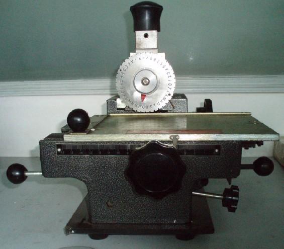 手动标牌打标机,标牌打印机—济南泰纳瑞斯