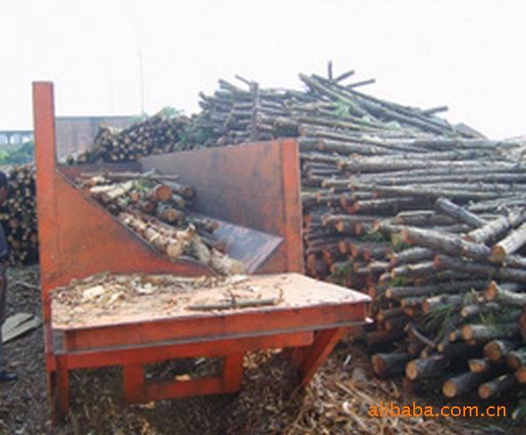 厂家直销原木剥皮机 树木剥皮机 树干剥皮机