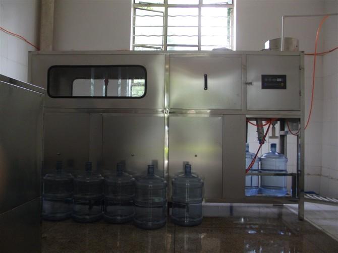 供应桶装水设备