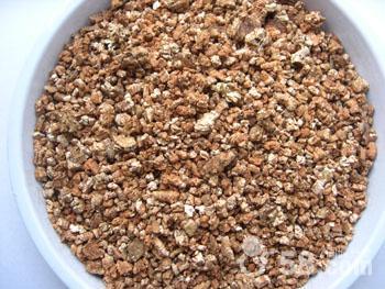 蛭石、蛭石粉、蛭石片、膨胀蛭石、园艺蛭石