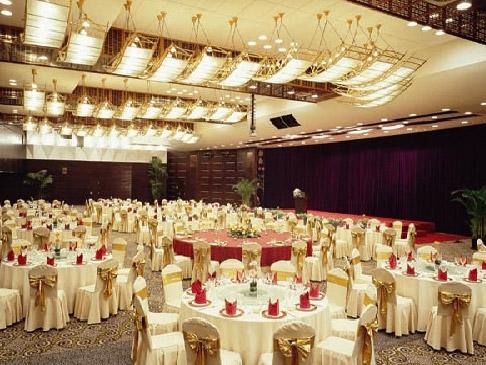 北京宾馆设备回收二手空调酒店设备收购金属门窗暖气片回收