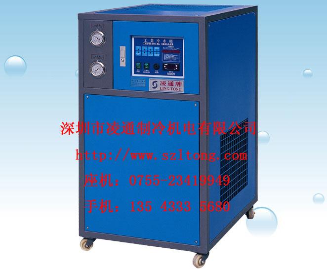 风冷式螺杆冷水机组,成都冷水机,低温冷冻机,模具恒温机,冷却水塔