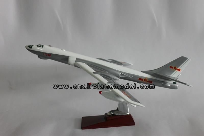 采用树脂材料纯手工制作而成,静态摆设 飞机模型,彩盒****包装,用于