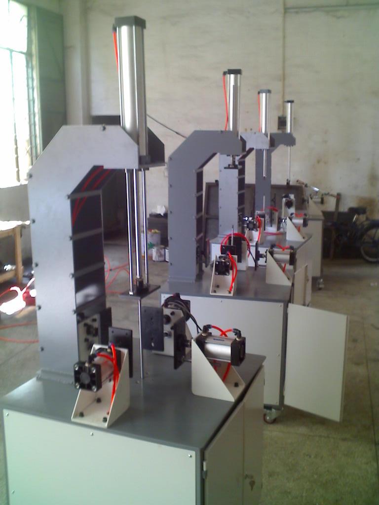 礼盒表面压泡机、气动压盒机