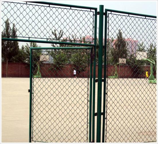 球场护栏网、波形护栏网、护栏网浸塑、pvc护栏网